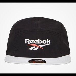 REEBOK 5-panel cap running black white adjustable